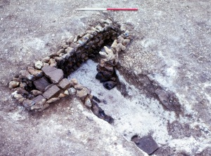 The 'T'-shaped corn drier from the Romano-British phase.